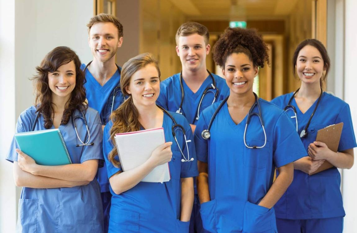 10 motivos para investir em uma pós-graduação em saúde