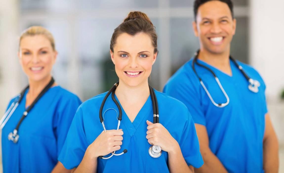 Descubra a média salarial dos profissionais de Enfermagem