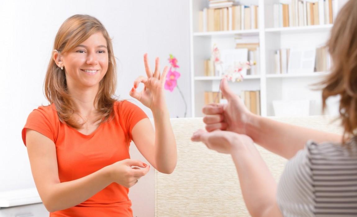 A Importância da qualificação profissional em Intérprete de Libras