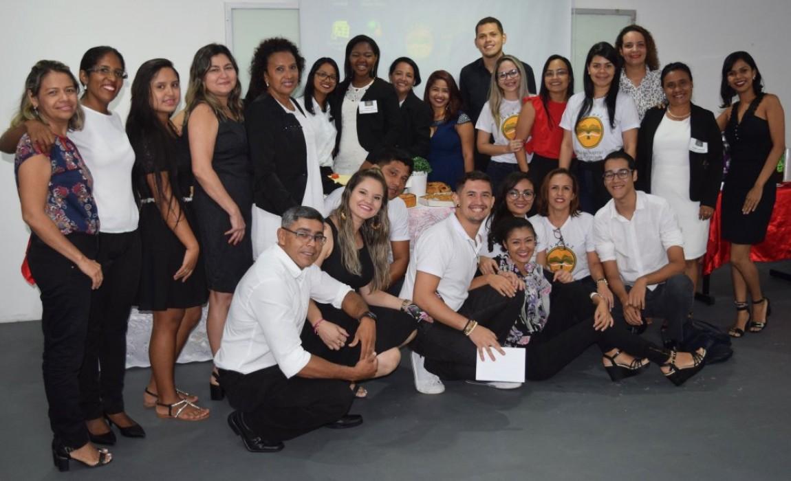 Alunos do curso de Formação de Professores para o Ensino de Língua Portuguesa e Literatura realizaram defesa de artigos científicos