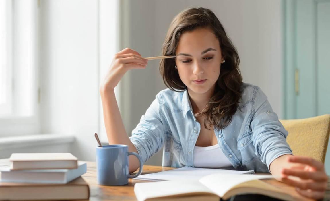 O que é melhor: fazer uma pós ou uma segunda graduação?