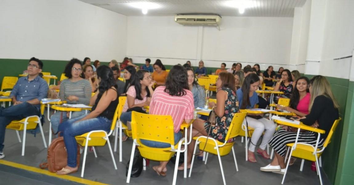 Tô na Pós - Mais de 400 alunos lotam as salas de pós-graduação da Esamaz no último final de semana