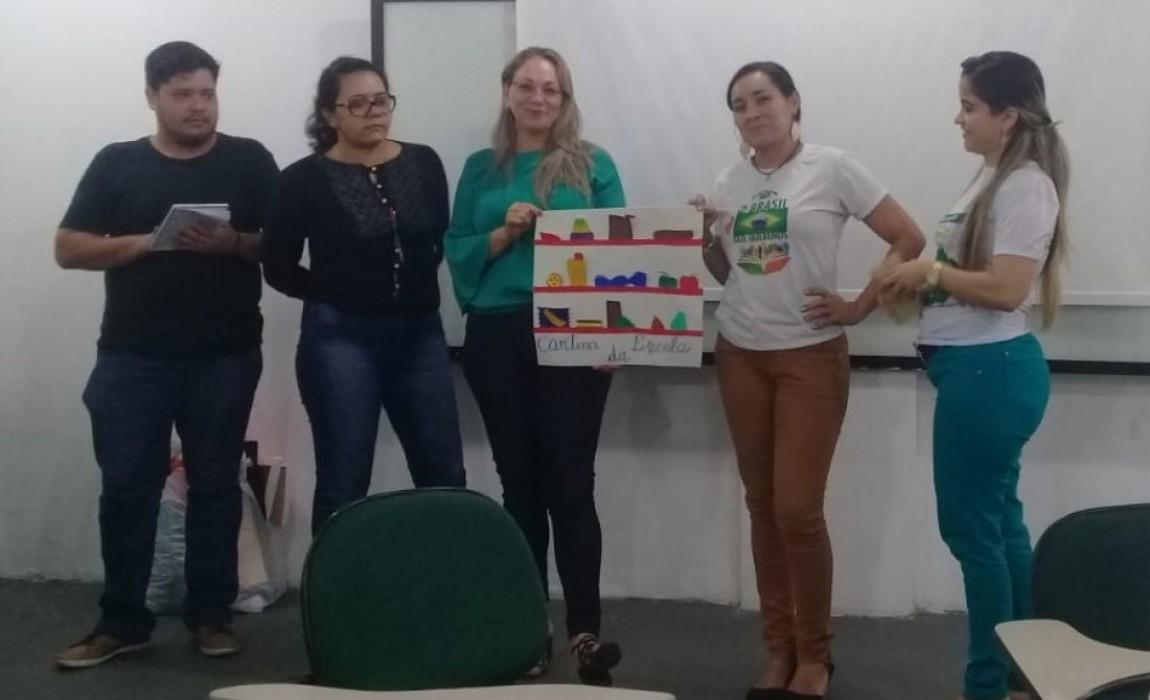 Alunos de especialização em Docência no Ensino de Libras apresentam trabalhos